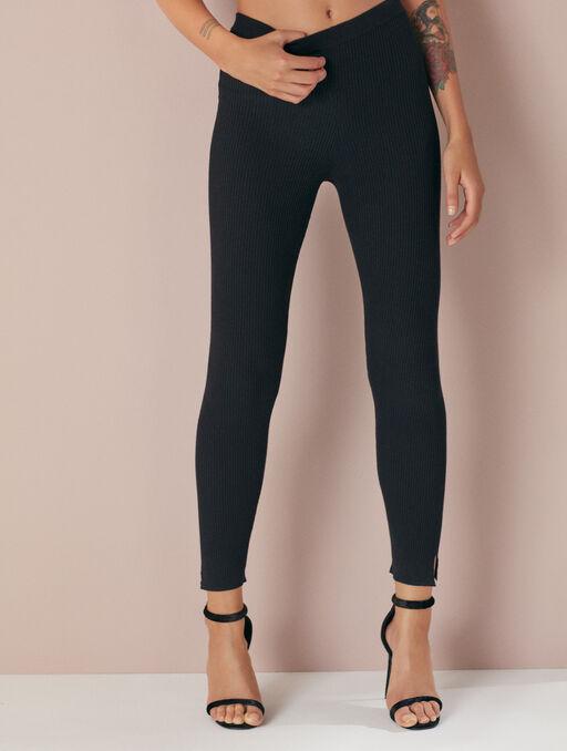 Pantalon black.