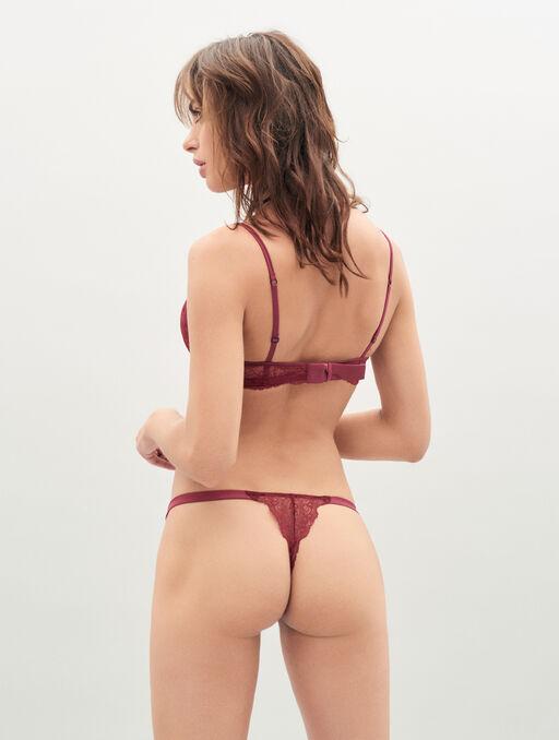 Bikini string burgundy.