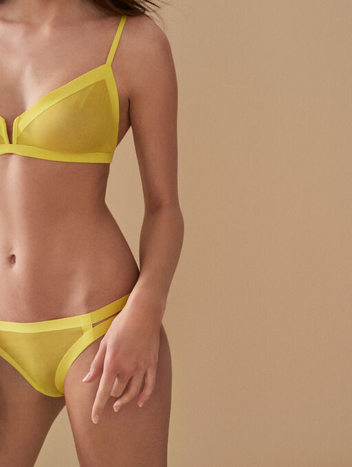 Culotte yellow.