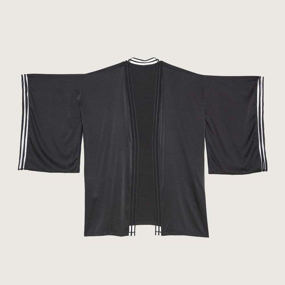 Kimono black.