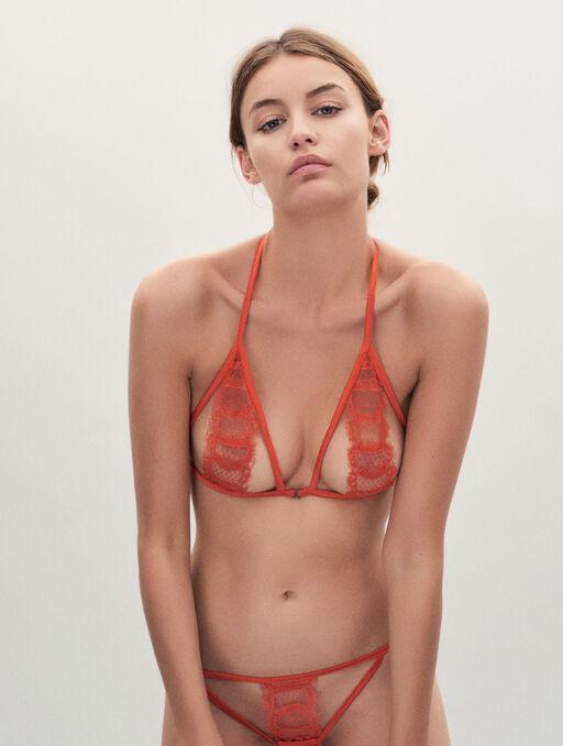 Bikini string poppy.